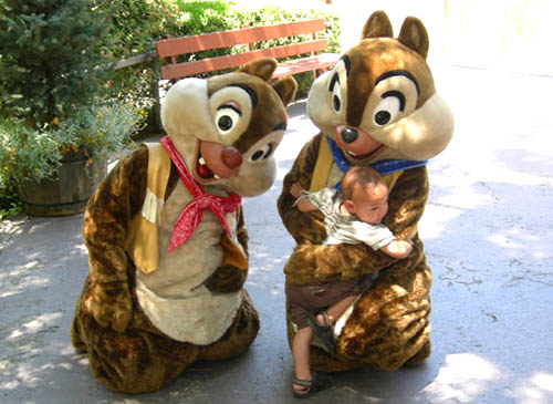 Chip and Dale at Disneyland ~ www.socalwithkids.com