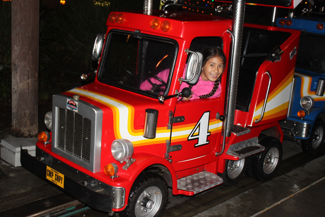 camp_snoopy_truck