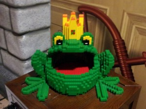 lego_frog