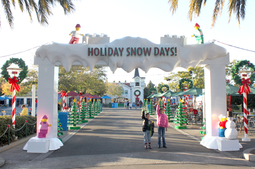 Holiday Snow Days and Winter Nights at LEGOLAND California!