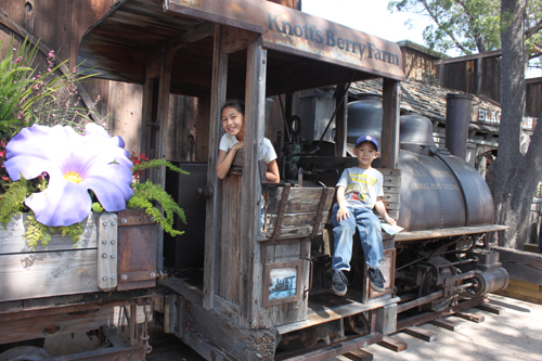 Knott's Berry Bloom Train ~ www.socalwithkids.com width=
