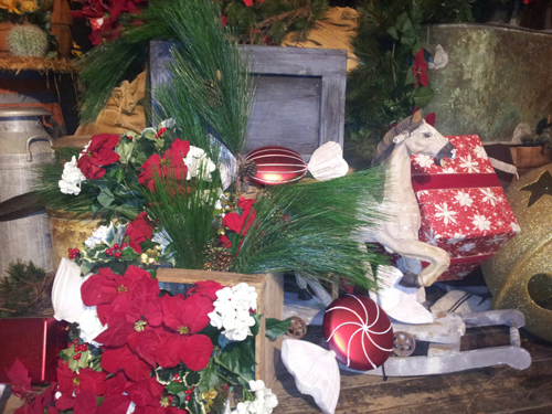 Knott's Berry Farm Holiday Decor