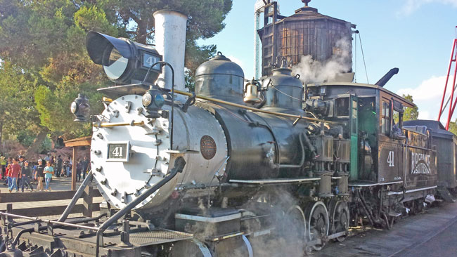 Knott's Berry Farm Steam Train ~ www.socalwithkids.com